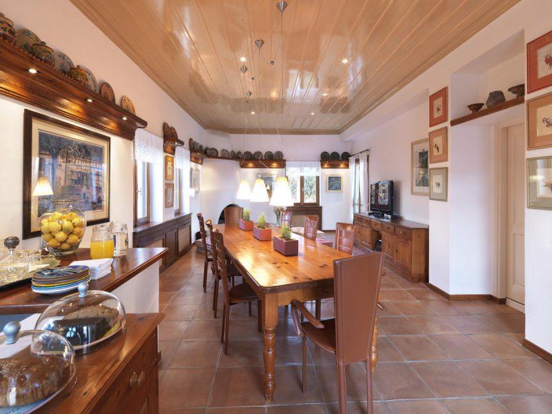 NEMIRE Villa Dining Room